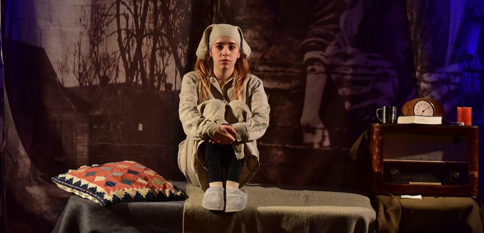 Kislány a pokolban holokauszt monodráma